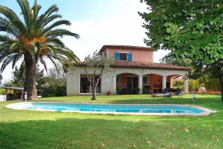 Vakantiehuis-Zuid-Frankrijk-met-privé-zwembad-en-huisdieren-toegestaan