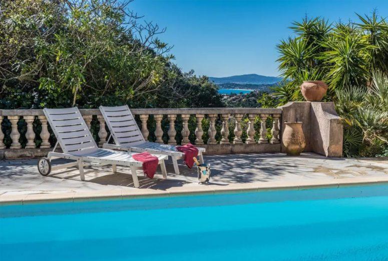 Vakantiehuis-Zuid-Frankrijk-met-uitzicht-op-zee-6-personen