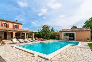 Vakantiehuis-in-Althen-des-Paluds-Zuid-Frankrijk-voor-8-personen