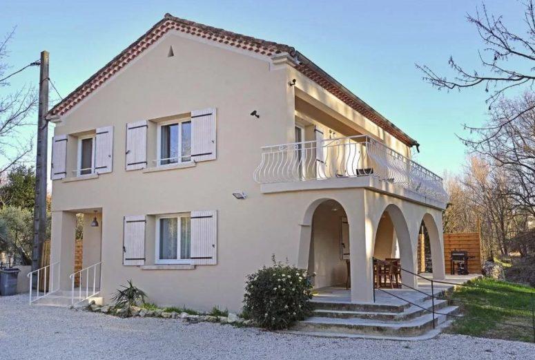 Vakantiehuis-voor-10-personen-in-Mazan-Zuid-Frankrijk