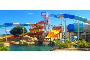 Camping-in-Zuid-Frankrijk-met-3-zwembaden-en-eigen-waterpark-in-Le-Barcares